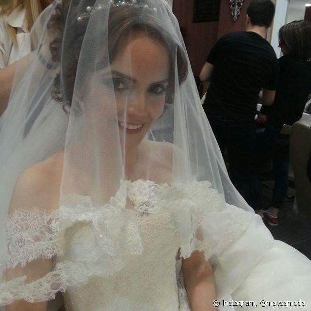 Sempre pense bem no penteado de noiva se você for usar véu
