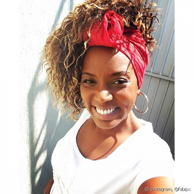 Se você é adepta dos turbantes, aproveite o bad hair day para segurar as madeixas embaixo do lenço