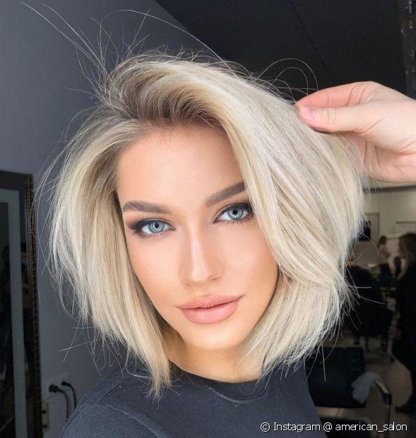 O cabelo platinado nunca sai de moda (Instagram @ american_salon)