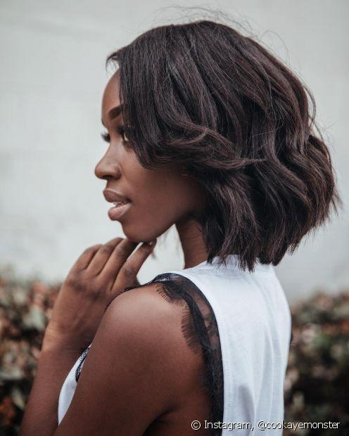 O cabelo médio é um comprimento muito versátil e que pode ser adotado por todas (Foto Instagram: @cookayemonster)