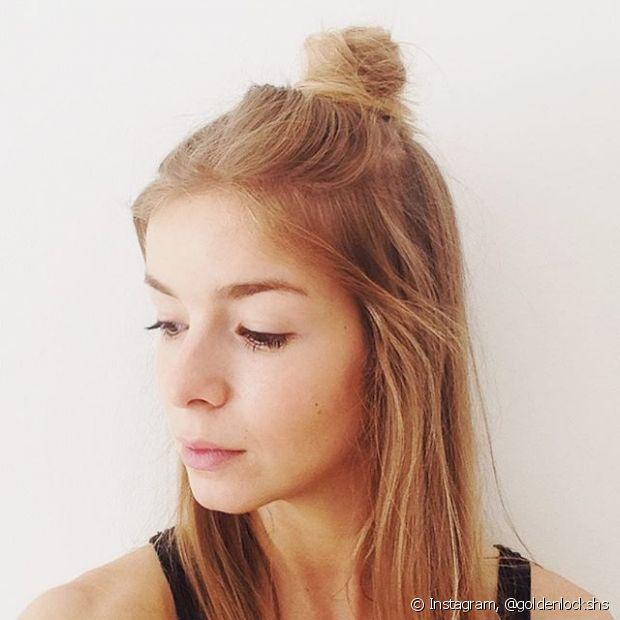 O half bun é um penteado simples e superestiloso para você usar nos dias de bad hair day