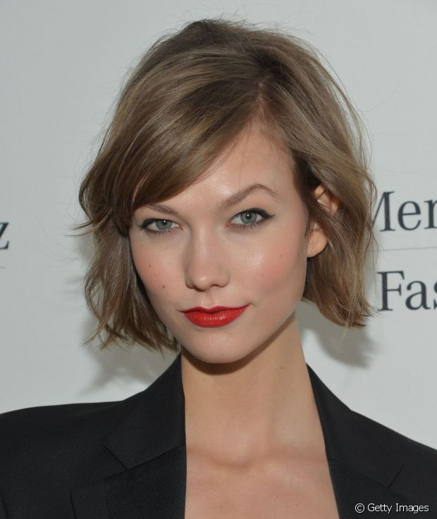Franja curta: como ela chama muita atenção para o rosto, é importante que você se sinta bem confortável ao usá-la, ok?