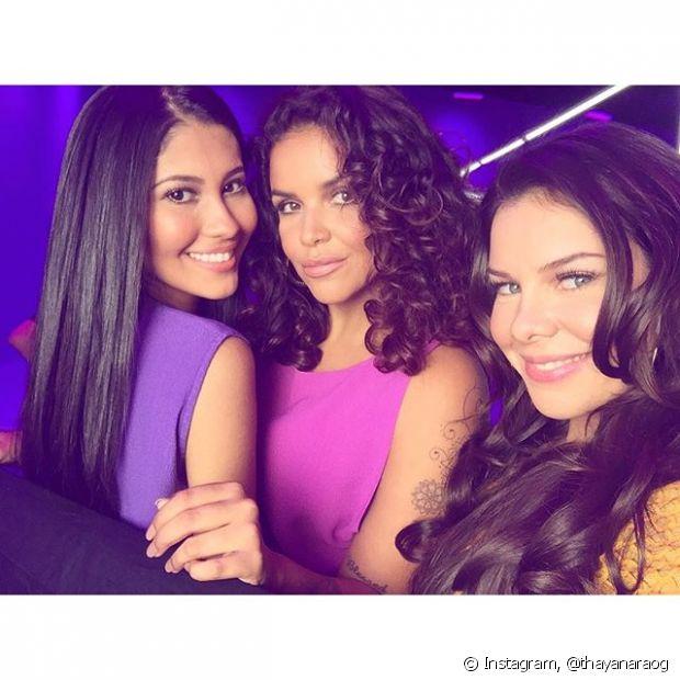 Thaynara OG, Ju de Paulla e Fernanda Souza arrasaram com a coreografia de 'Tá com brilho, Tá favorável' no clipe de Brilho&Ton