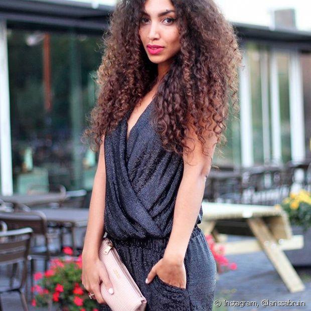 A umectação capilar é feita à base de óleos 100% naturais, que possuem nutrientes para deixar nossos cabelos mais macios e brilhosos