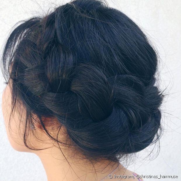 Coroa de trança fica bem em todos os tipos de cabelo