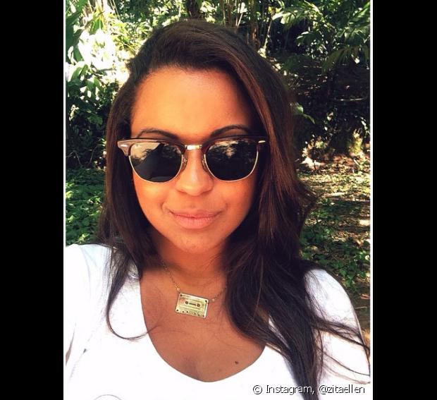 Ellen Rodrigues (@zitaellen) usou guanidina para alisar os cabelos e fazia relaxamento na raiz