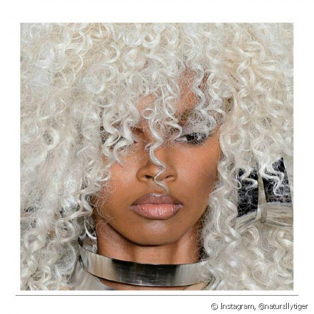 Após a coloração, você precisará investir em shampoos e condicionadores específicos para cabelos coloridos