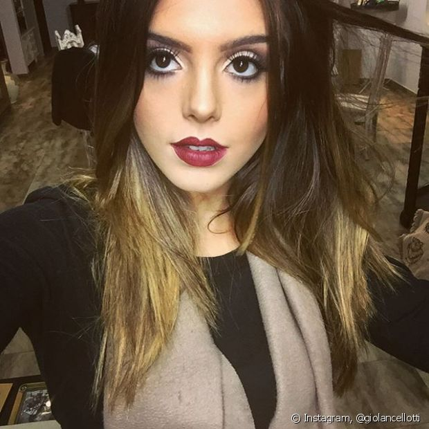 Giovanna Lancellotti fez o ombré hair para interpretar Luana na novela 'A Regra do Jogo'