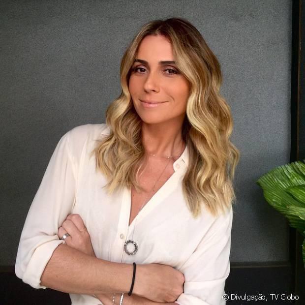 O look de cabelos com ondas largas foi criado pelo expert de beleza Alê de Souza