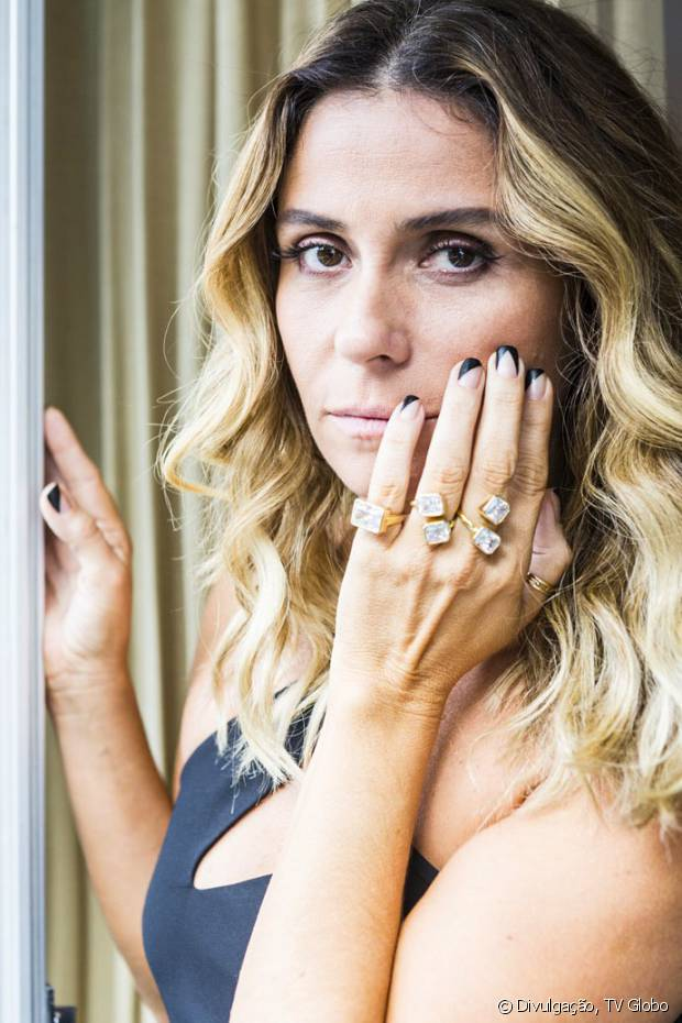 As unhas decoradas de Atena, personagem de Giovanna Antonelli em 'A Regra do Jogo', fazem sucesso!