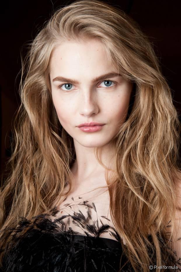 O desfiado deixa os cabelos com a aparência de desconectados por conta da variação de comprimento dos fios