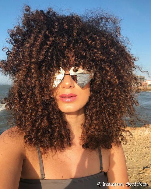 O verão é uma estação que pode expor o seu cabelo a vários tipos de danos