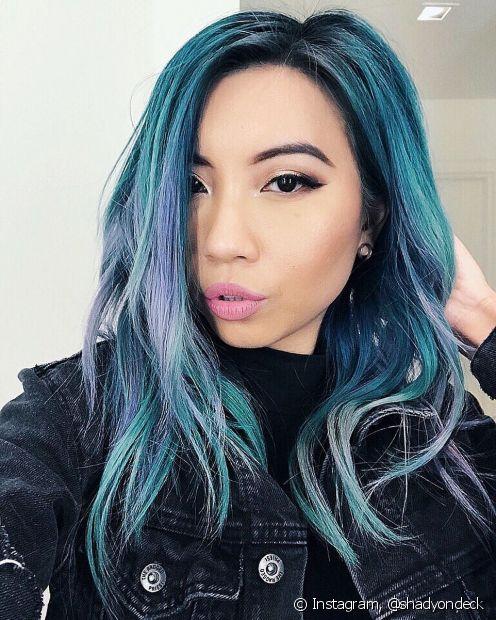 Colorir o cabelo em casa com tonalizante agride menos por não tem amônia