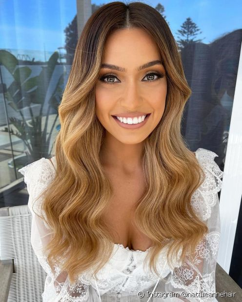 Os cuidados com os cabelos após a descoloração são essenciais para deixá-los mais fortes e saudáveis (Instagram @natalieannehair)