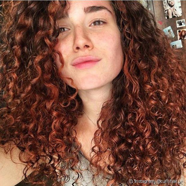 Valorize os cabelos vermelhos com um corte moderno