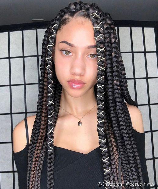 O kanekalon é um extensor para tranças sintéticas que pode fazer parte de diferentes tipos de penteados afro, como box braids, nagô e crochet braids