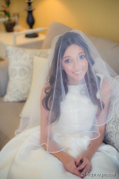 A advogada Angélica Maia fez o próprio cabelo e make no dia do seu casamento
