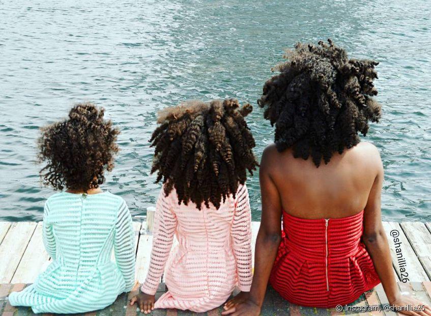 Cuidar do ambiente que cerca a sua filha cacheada durante o crescimento é importante para construção da autoestima