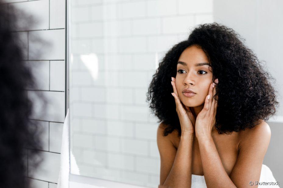 Alguns fatores genéticos levam a pele negra a ter propensão à oleosidade
