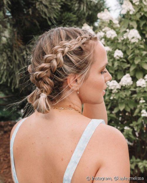 Se você procura penteados simples para cabelos curtos, as tranças embutidas também são uma opção para quem tem menos comprimento. (Foto: Instagram @kayleymelissa)