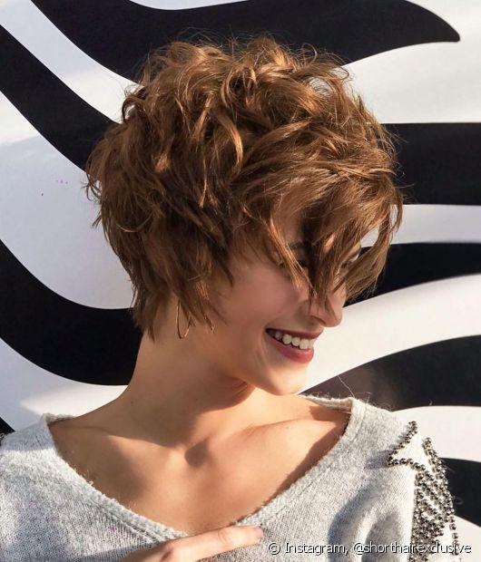 Se você procura cortes de cabelo para uma transformação mais ousada, aposte no pixie cut. (Foto: Instagram @shorthairexclusive)
