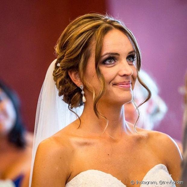 A escolha do penteado que a noiva vai usar no dia do casamento é tão importante - e difícil - quanto decidir pelo vestido perfeito