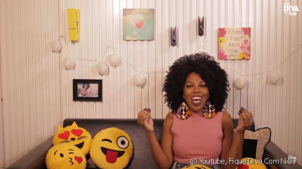 A blogueira Luany Cristina, do blog Diva do Black, contou como foi sua transição capilar