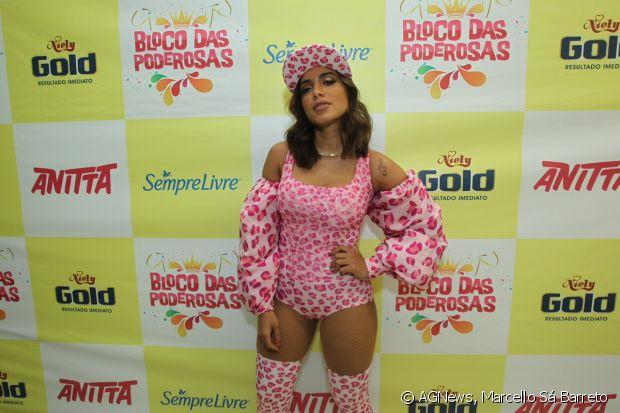 Anitta comanda o ensaio do Bloco das Poderosas, no Rio de Janeiro, em 9 de fevereiro de 2017