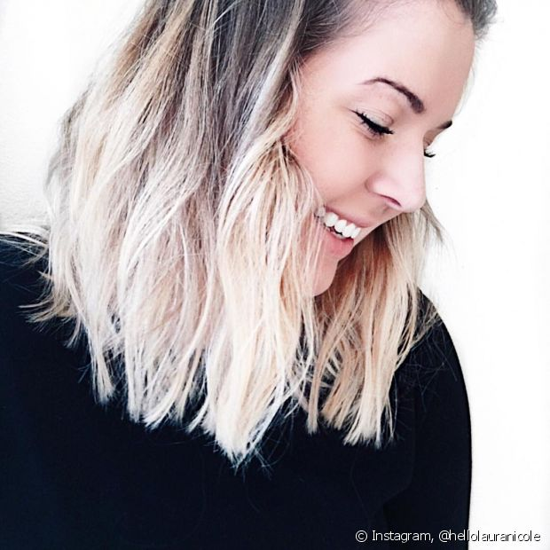Ao descolorir os cabelos, use queratina líquida para recuperar a saúde dos fios