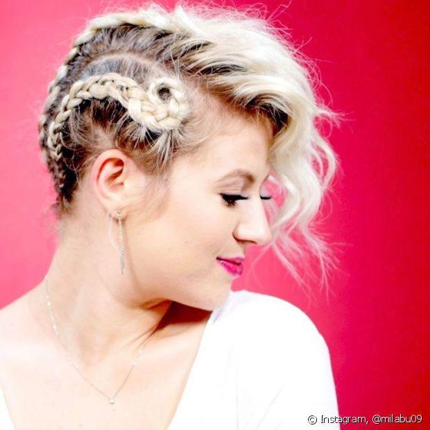 @milabu09 mostra que é possível variar penteados em cabelos curtos