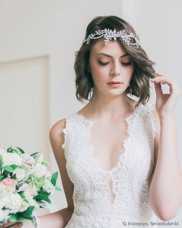 As noivas que têm o cabelo curto podem investir em penteados no dia do casamento