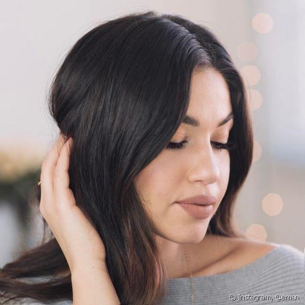O couro cabeludo é o responsável pela produção da oleosidade e pelo crescimento dos fios