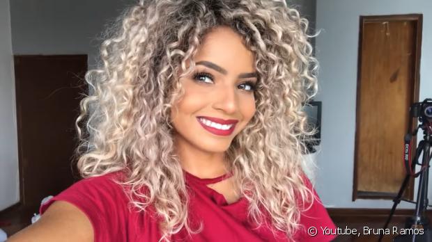 Bruna Ramos ensina truques para tirar a selfie perfeita