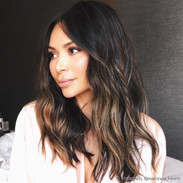 O banho de brilho com babosa é indicado para todos os tipos de cabelos