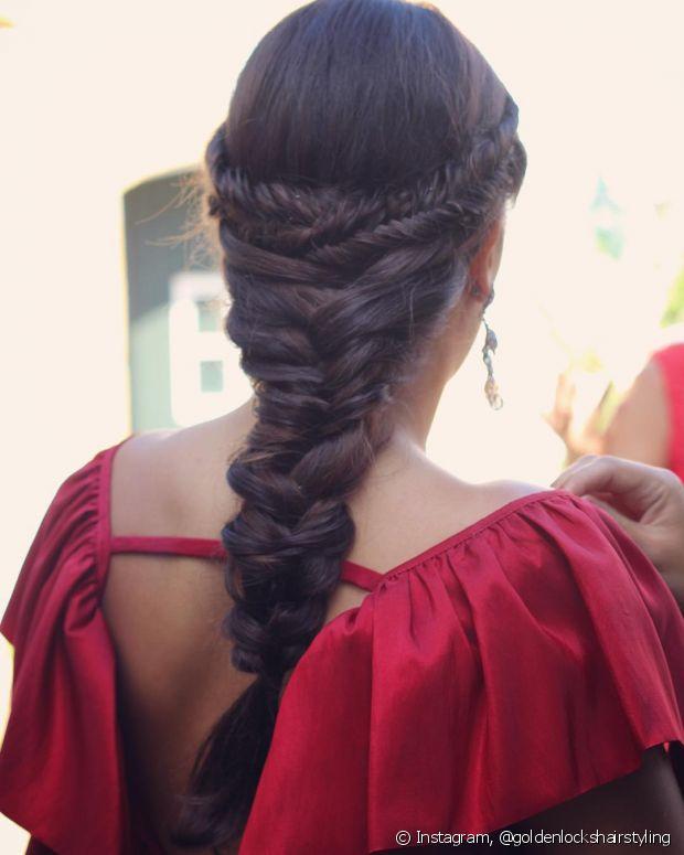 As tranças embutidas mais elaboradas podem ser feitas com a ajuda de um cabeleireiro