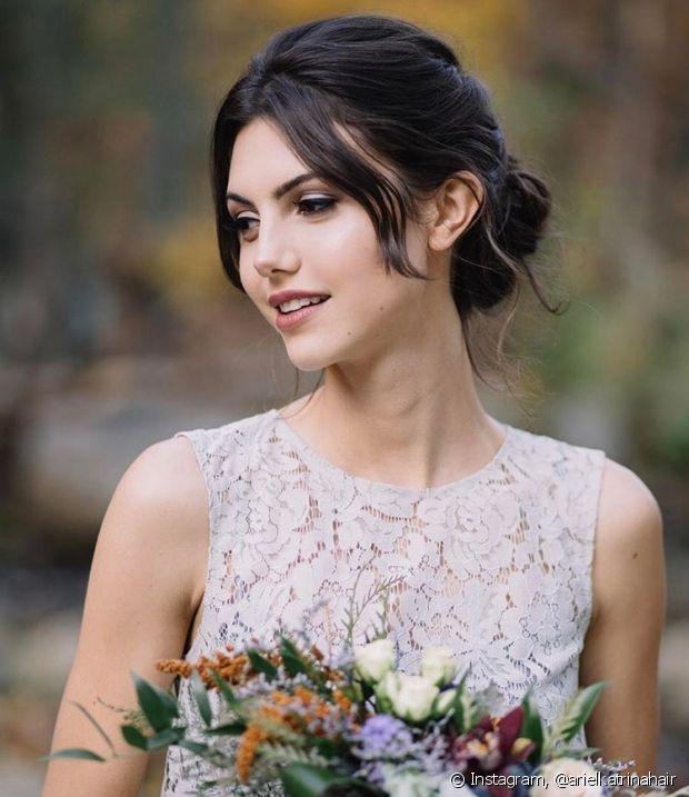 Se você vai fazer o próprio penteado no dia do seu casamento, escolha uma opção estilosa, mas que seja simples de fazer