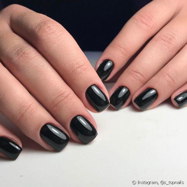 Pintar as unhas em casa não é fácil, mas alguns truques podem te ajudar