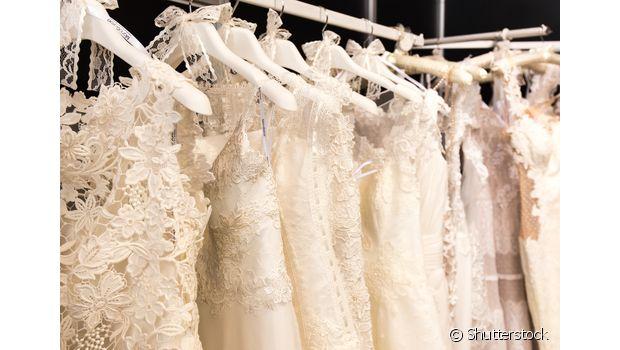 São muitas opções de vestido, maquiagem, penteados... ajuda a sua amiga que vai casar na escolha do look!