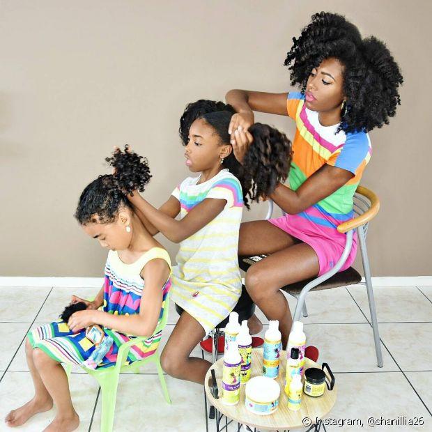 @shanillia26 ensina a cuidar dos cachos com a ajuda das filhas divas, Shanillia e Janelle