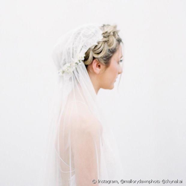 As tranças podem ser o destaque do penteado de noiva com véu