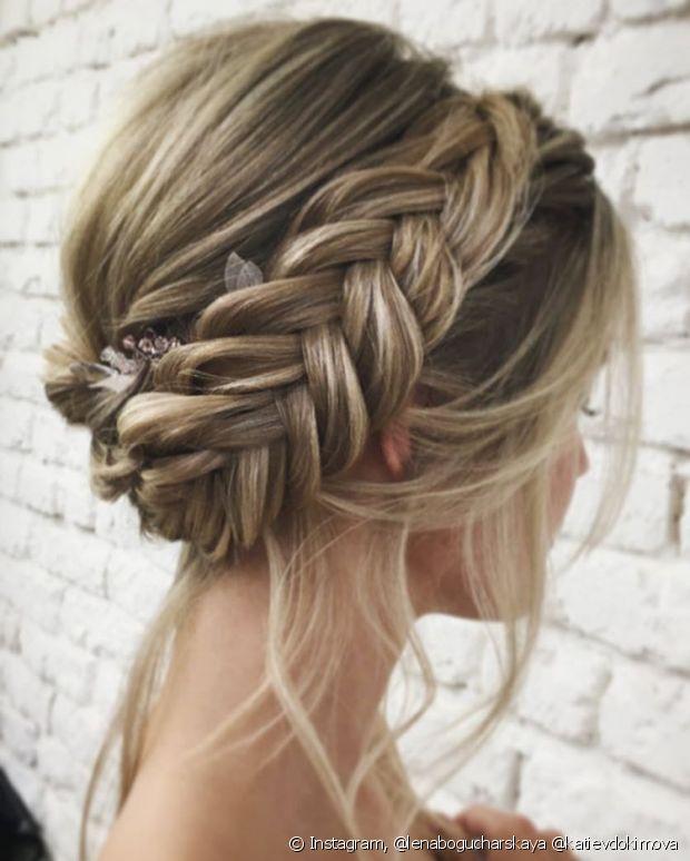 É o penteado queridinho das românticas para qualquer ocasião