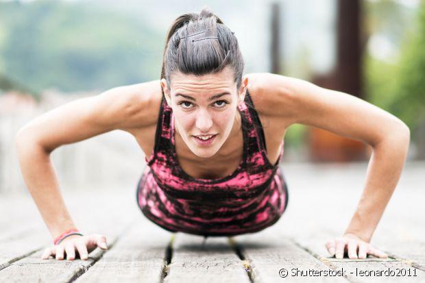 Se tem preguiça de sair, muitos exercícios podem ser feitos em casa mesmo