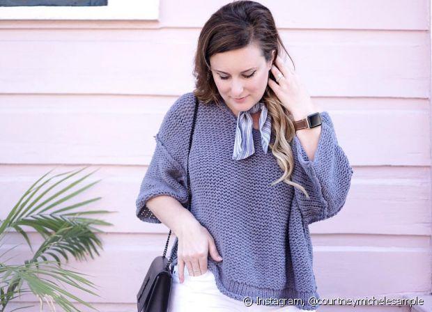 Misture a bandana no pescoço com casacos pesados e fofos para ficar quentinha e estilosa