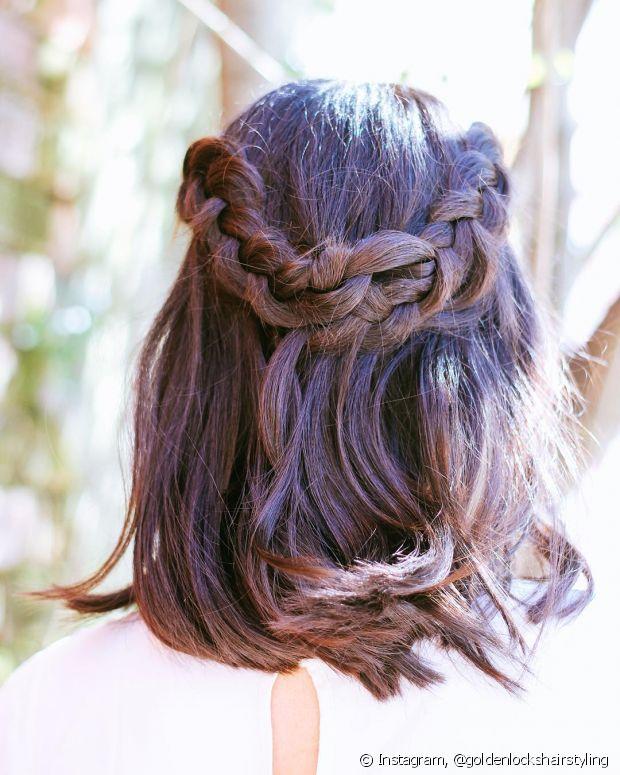 Existem vários penteados estilosos para quem possui o cabelo médio