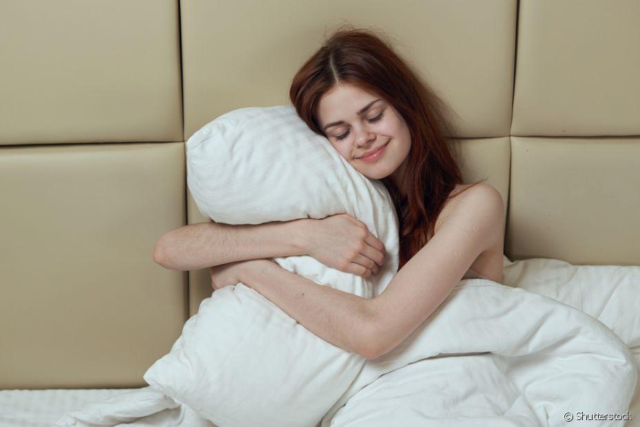 Dormir é a melhor coisa para fazer no inverno. Aproveite o frio e fique mais horas embaixo da coberta