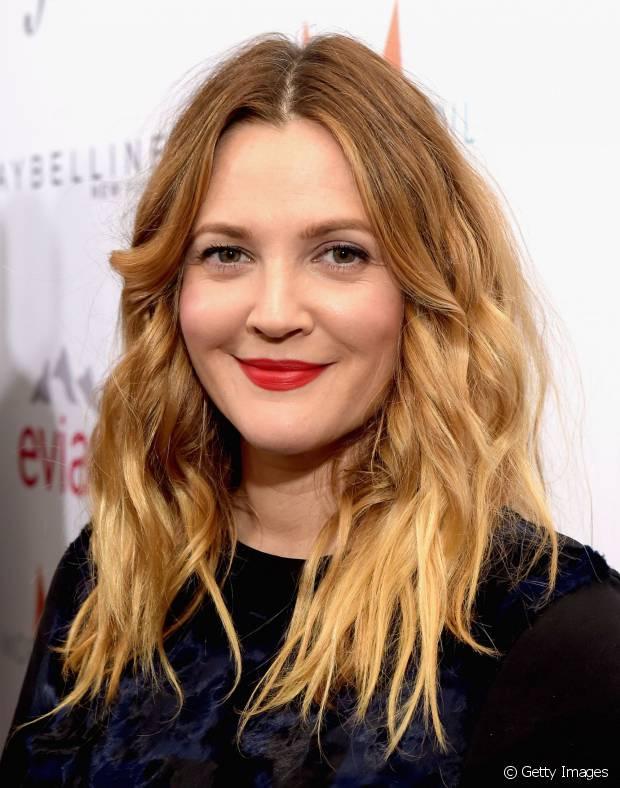 Drew Barrymore utilizou três tons para criar o efeito degradé do ombré hair
