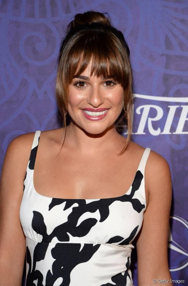 Se a sua escolha for um coque alto como o de Lea Michele, a franja será a protagonista!