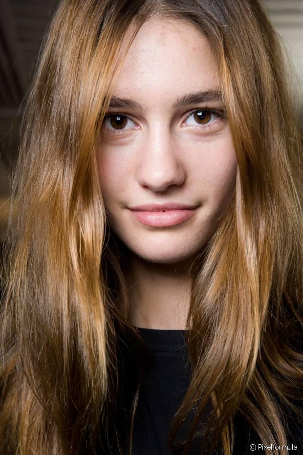 O loiro escuro é o tom perfeito para as moças de cabelos claros que querem escurecê-los aos poucos