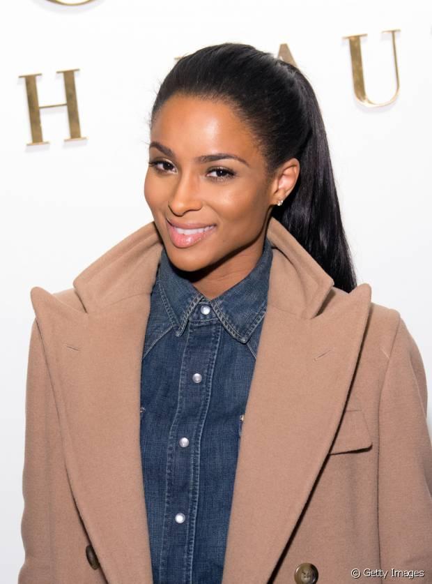 A cantora Ciara exibiu um modelito em altura mediana e muito elegante