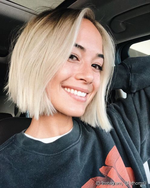 O cloro é um dos principais vilões quando se trata de cabelos loiros, mas ele não é o principal responsável (Foto: Instagram, @lathoma3)